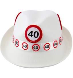 Klobuk za 40. rojstni dan, Stop znak